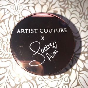Artist Couture x Jackie Aina La Bronze highlighter